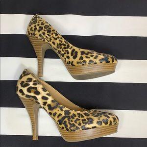 Kenneth Cole Reaction leopard print heels EUC